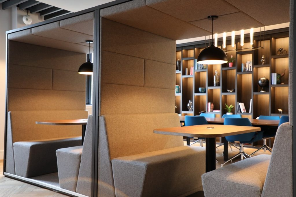 neospace | Booths in the Lounge